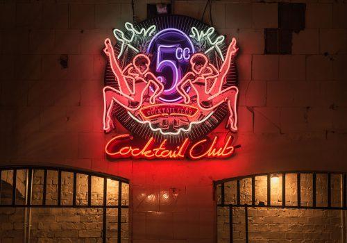 5cc London neon sign